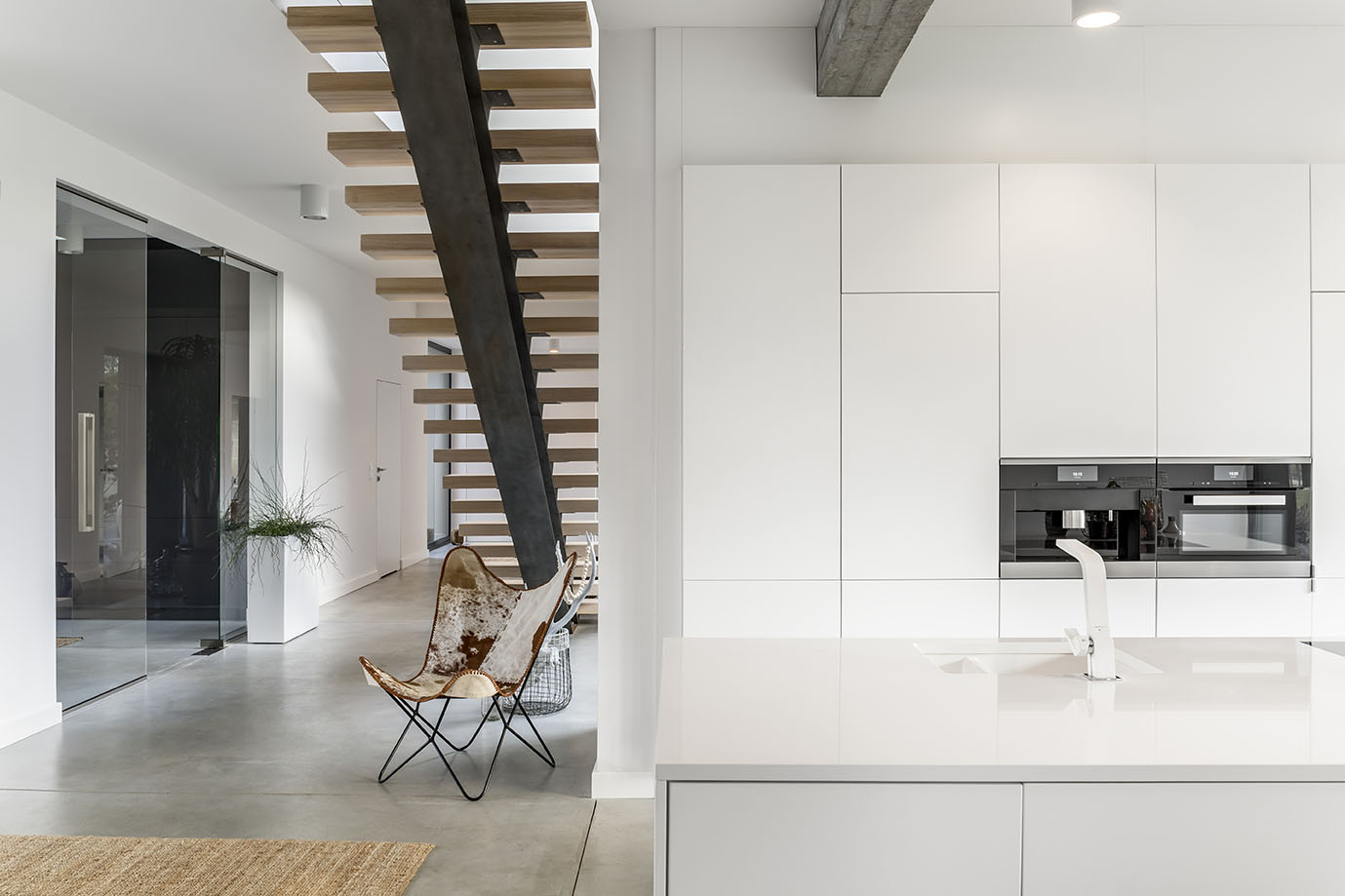 Simply minimalism, white interior